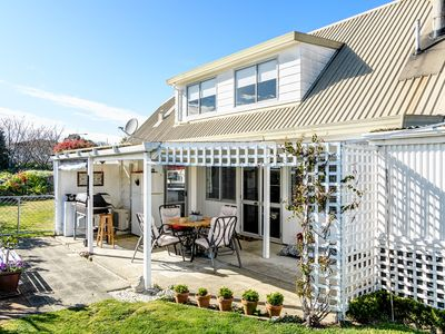 Photo for Sunny central Motueka with a Private rural outlook
