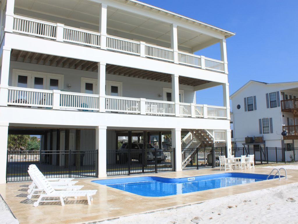 Incredible New Pool With Extra Large Deck E To Enjoy The Pensacola Sunshine