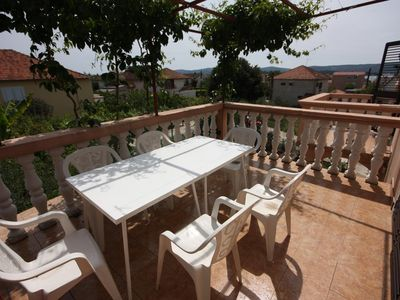 Photo for One bedroom apartment with terrace and sea view Turanj (Biograd)