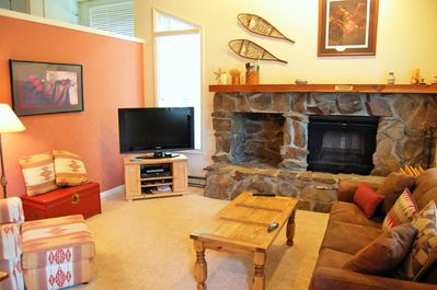 ovely, cozy home with warm mountain west decor, wood-burning fireplace w/wood!