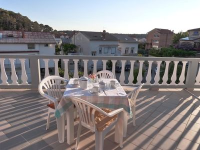 Photo for Two bedroom apartment with terrace Palit (Rab)