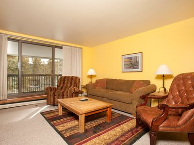 Photo for Bright and Comfortable 1 Bedroom Condo with Private Balcony!