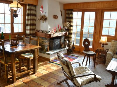 Photo for Outside : flat for 5 persons on the 4st floor, elevator, balcony with beautiful view on the 4'000m,