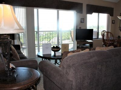 Photo for Super Spacious! 3 bed 3 bath Condo-Enjoy beautiful Lake Views! Elevator! SDC 1 mile away!