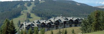 Photo for Enjoy mountain and valley views, daily housekeeping, free wi-fi and more!