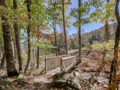 Photo for Slope-side condo close to everything w/porch swing & private balcony