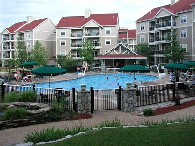 Photo for Branson Condo-3 Bed/3 Bath, WiFi, Pool, Hot tub, Keyless Entry & close to strip