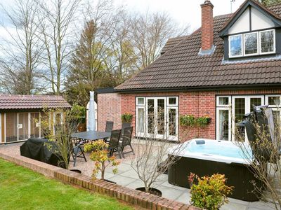 Photo for 4 bedroom property in All Nottinghamshire. Pet friendly.