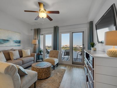 Photo for Pretty Condo! Sleeps 4, Lake View, Many Amenities and Nearyby Activities!