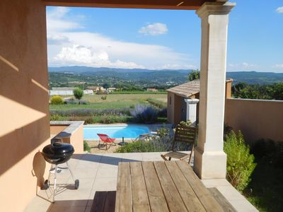 Photo for Luberon-Vaucluse, provencal villa, private pool, open view