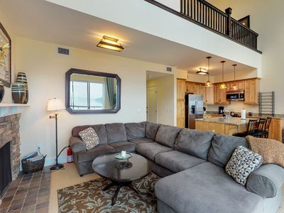 Photo for Lakefront penthouse w/ views of the lake & shared dock/pool/hot tub!