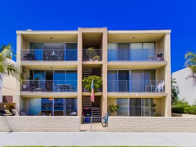 Photo for Beautiful Bayfront in the Heart of Mission Beach!