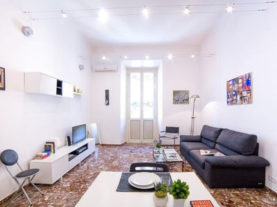 Photo for Etruria San Giovanni apartment in Testaccio-Piramide with WiFi, air conditioning, balcony & lift.