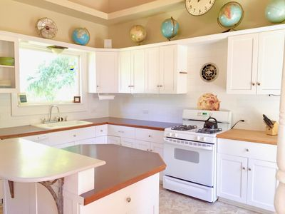 Fully-outfitted, roomy, sunny kitchen