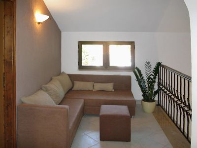 Photo for 4 bedroom Villa, sleeps 7 in Tomišići with Pool, Air Con and WiFi