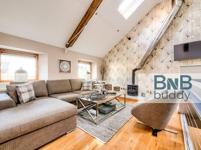 Photo for Stunning&Modern 3bedroom Mews House with Parking