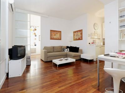 Photo for Apartment Rome City Center just steps from the TREVI FOUNTAIN COLOSSEUM VATICAN