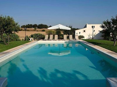 Photo for Ancient countryside residence with pool, in the heart of the Baroque Sicily.