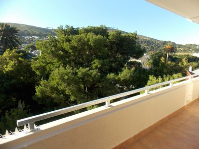 Photo for Tasteful apartment overlooking the city and the Lions Head 2 balconies