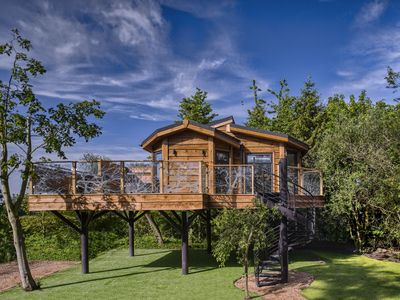 Photo for Wolds Edge Treehouse