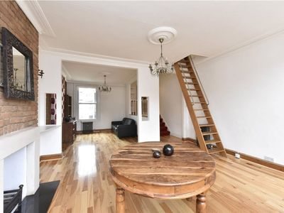 Photo for Top Floor Amazing Space In Fantastic Stoke Newington