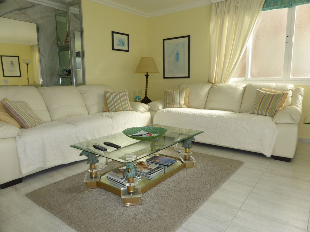 Spacious Luxury 2 Bedroom Frontline Apartment El Toro Majorca Balearic Islands Rentbyowner