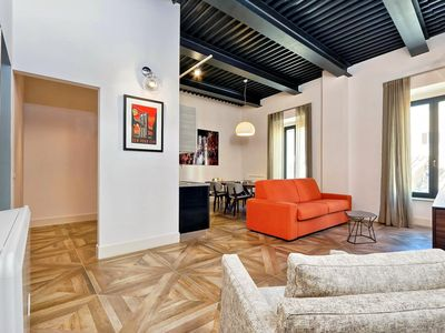 Photo for Spacious Del Basilico 2A apartment in Via Veneto with WiFi, integrated air conditioning & lift.