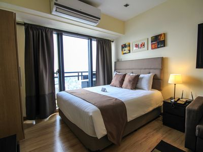 Photo for 1BR Apartment Vacation Rental in Makati, Kalakhang Maynila