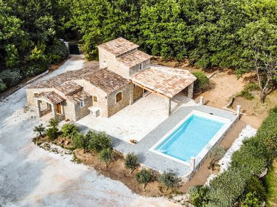 Photo for Charming country house in Provence, perfect for families