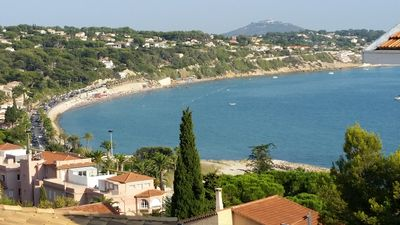 Photo for BANDOL - STUDIO 27 m² air-conditioned SEA - Tastefully renovated in 2015.
