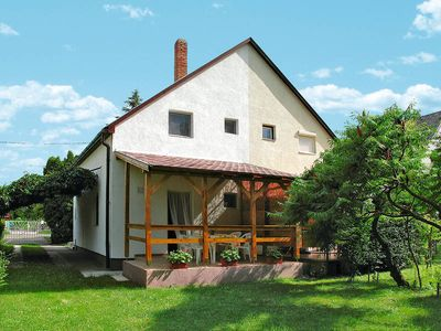 Photo for Vacation home in Balatonszarszo, Balatón - 5 persons, 2 bedrooms