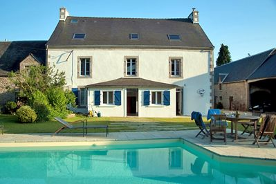Old farm, very spacious, fully renovated with heated pool, near the seaside  - Concarneau
