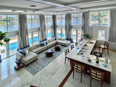 Half Waterfront Estate Sq ft 260 feet of water frontage big pool-FAMILIES+Yachts