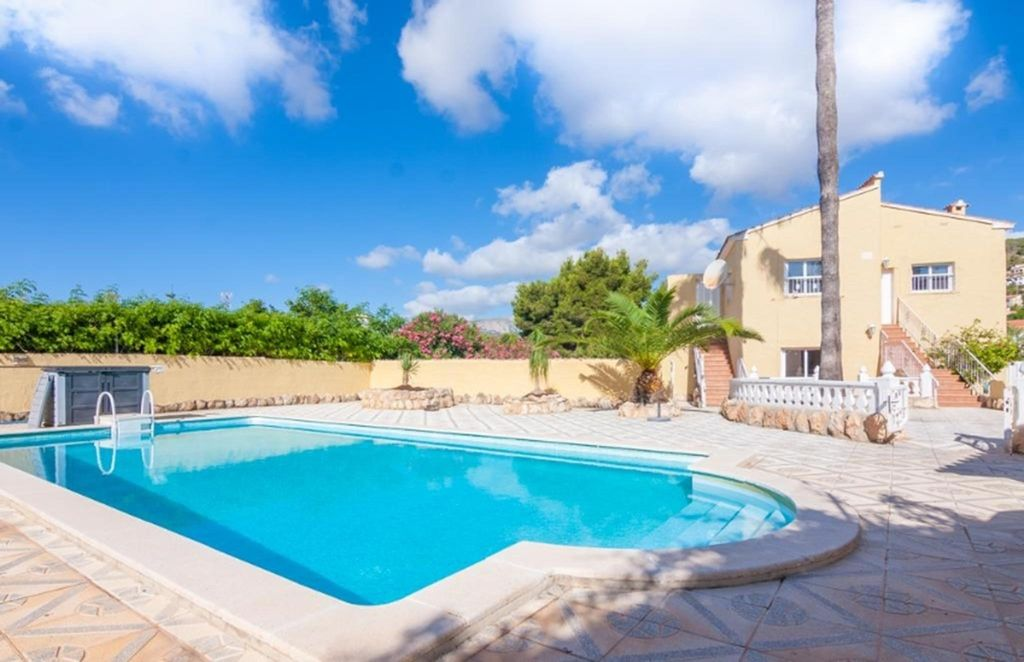 Holiday House With Swimming Pool Homeaway Calpe
