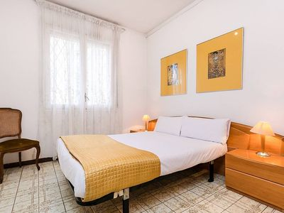 Photo for Authentic 3bed/2bath with big terrace in Eixample