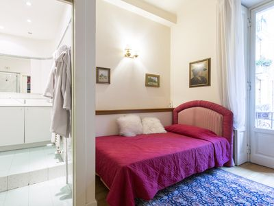 Photo for Room with private internal bathroom 4 MINUTES ON FOOT FROM THE BOCCONI UNIVERSITY.
