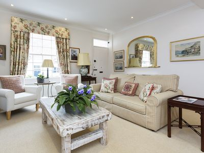 Photo for Classically decorated 4 bed family home in exclusive Notting Hill (Veeve)