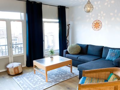 This spacious, fully furnished 2 bedroom apartment has a very cozy ambience