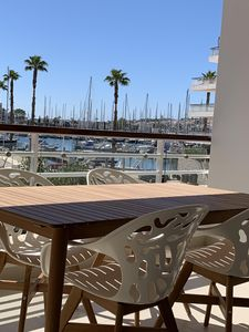 Photo for Luxurious Water Edge Apartment in the Heart of the Marina
