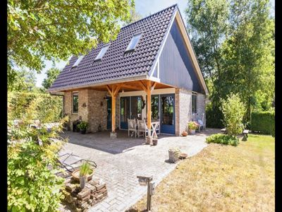 Photo for Detached house with beautiful views in the shadow of Heerenveen