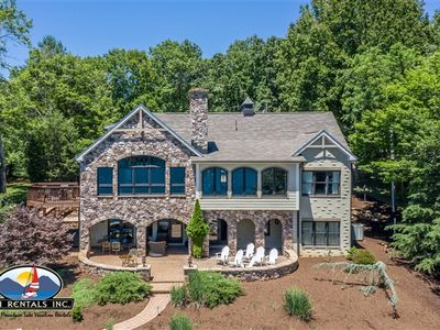 Photo for Hasting's on Hickory - Custom Home, Gentle Lot, Outdoor Fireplace, Gourmet Kitchen, Panaramic Main Channel View!
