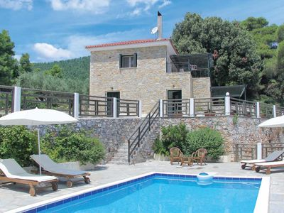 Tranquil villa ideal for nature lovers, sea views