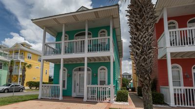 Photo for 50 Steps to the BEACH! Cottage next door to Pier Park. Pet friendly. Ocean View.