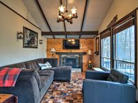Perfect cabin for family of 4! Quaint and relaxing space!