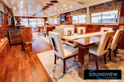 Large Private Yacht With A Million Dollar View Of Seattle From Lake Union -  Seattle
