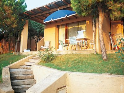 Photo for One bedroom Villa, sleeps 4 with Pool and Walk to Beach & Shops