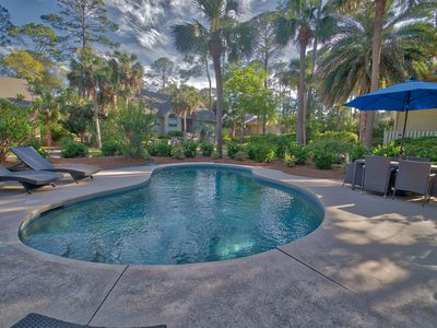 Photo for Sea Pines, private pool, close to beach, large 6 bedroom home.