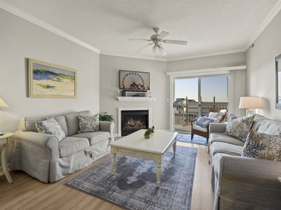 Photo for Mariner`s Watch is a gorgeous bayfront vacation rental overlooking Bahia Marina.