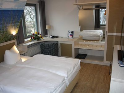 Photo for Double room Landseite 113 - Pension & Restaurant Haus am Meer GM 69650