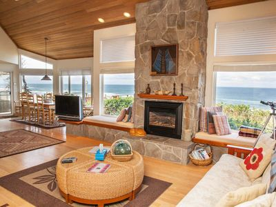 Photo for Halemahana-Oceanfront, Game Room & Oceanview Hot Tub.